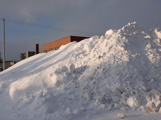 除雪の雪山