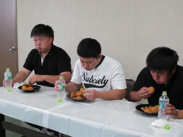 たまコロ大食い対決練習風景2