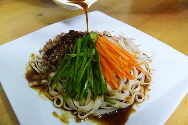 焼肉といえば北見でしょ ~YAKINIKU & 麦香旨麺(ばかうまめん)