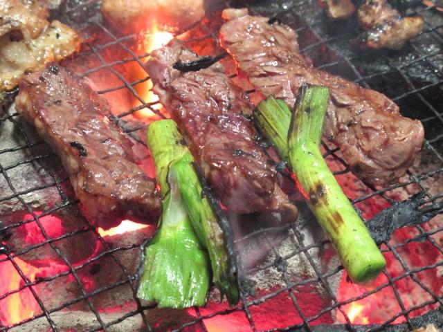 焼き肉と葉にんにく
