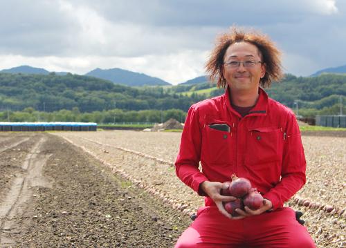 赤玉ねぎ部会リーダー佐藤和彦さん