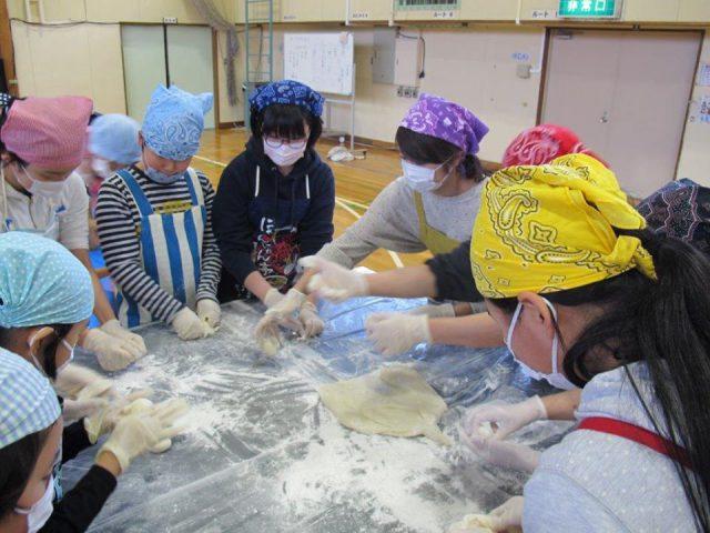 相内小学校ふるさと大収穫祭の様子3