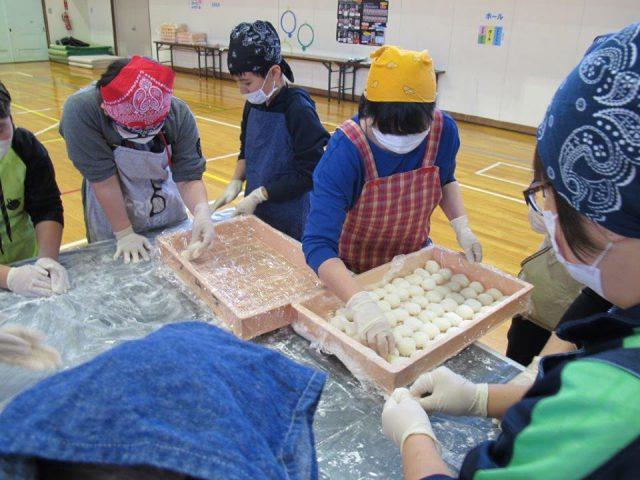 相内小学校ふるさと大収穫祭の様子4