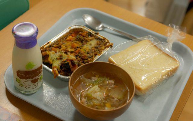 置戸小学校給食の様子1