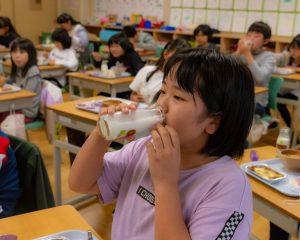 置戸小学校給食の様子3