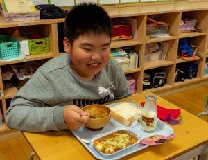 置戸小学校給食の様子5