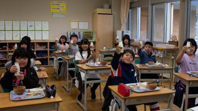 置戸小学校給食の様子6
