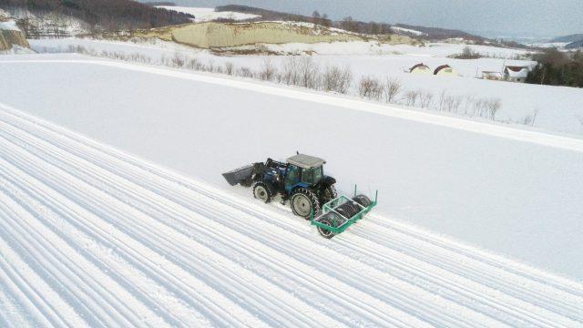 雪踏み作業の様子2